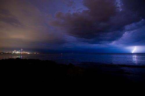 lightning_in_toronto_04