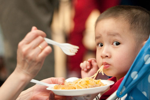 eating_noodles