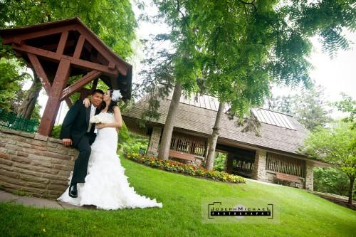 edwards_gardens_venetian_banquet_toronto_wedding_photography_02