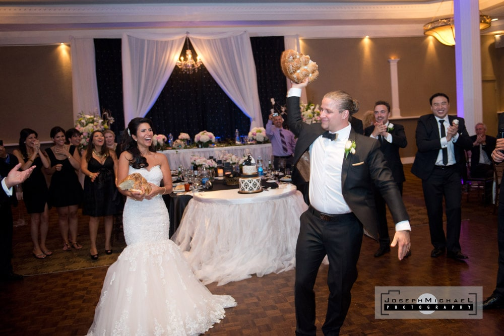 Destiny Banquet Hall Vaughn Wedding Photography Bread Dance