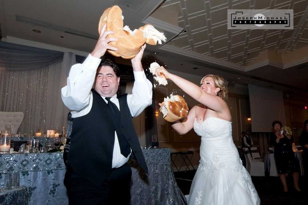 Le Parc Banquet Wedding Photography - Bread Dance