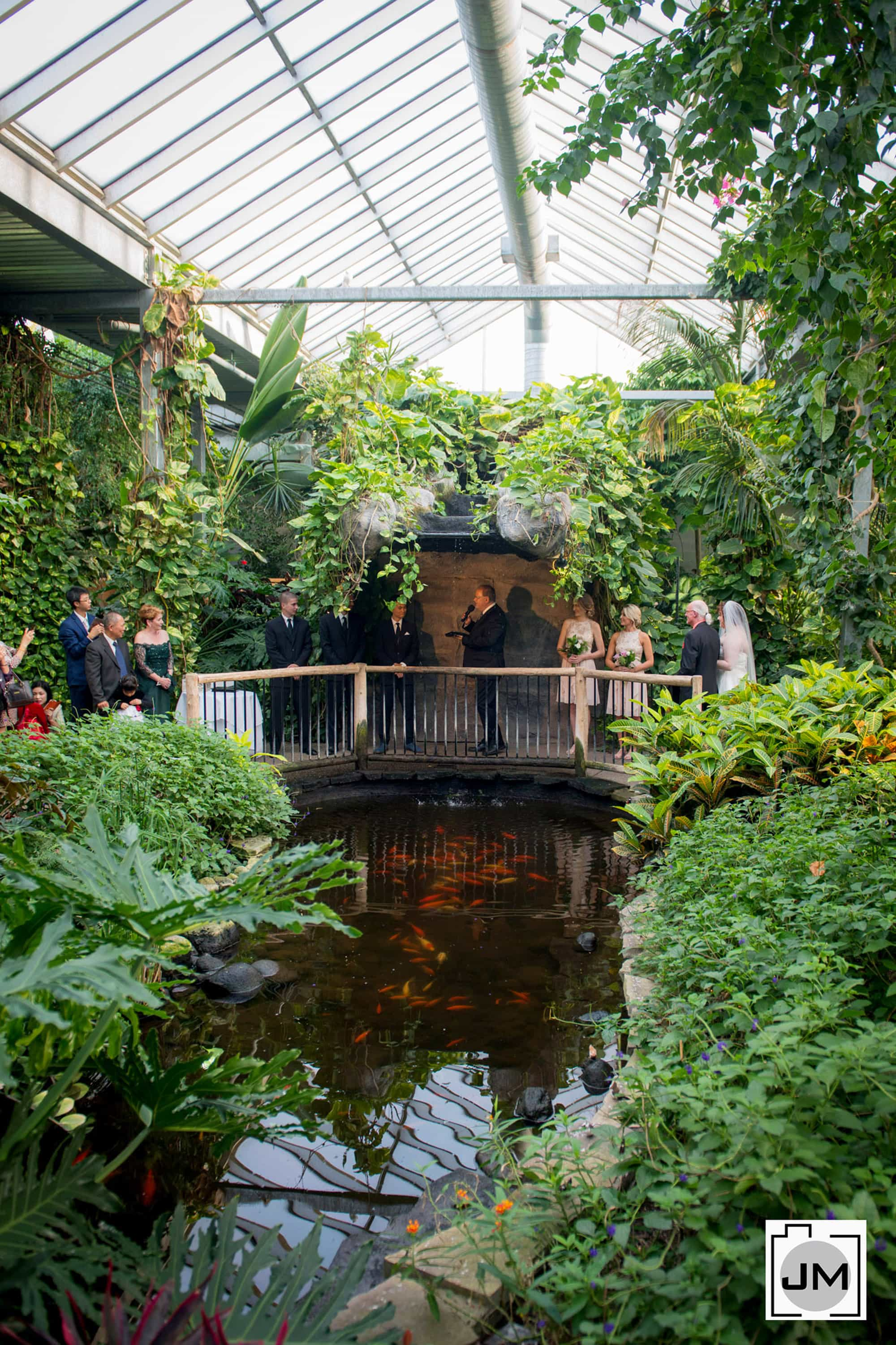 Cambridge_Butterfly_Conservatory_Wedding_013