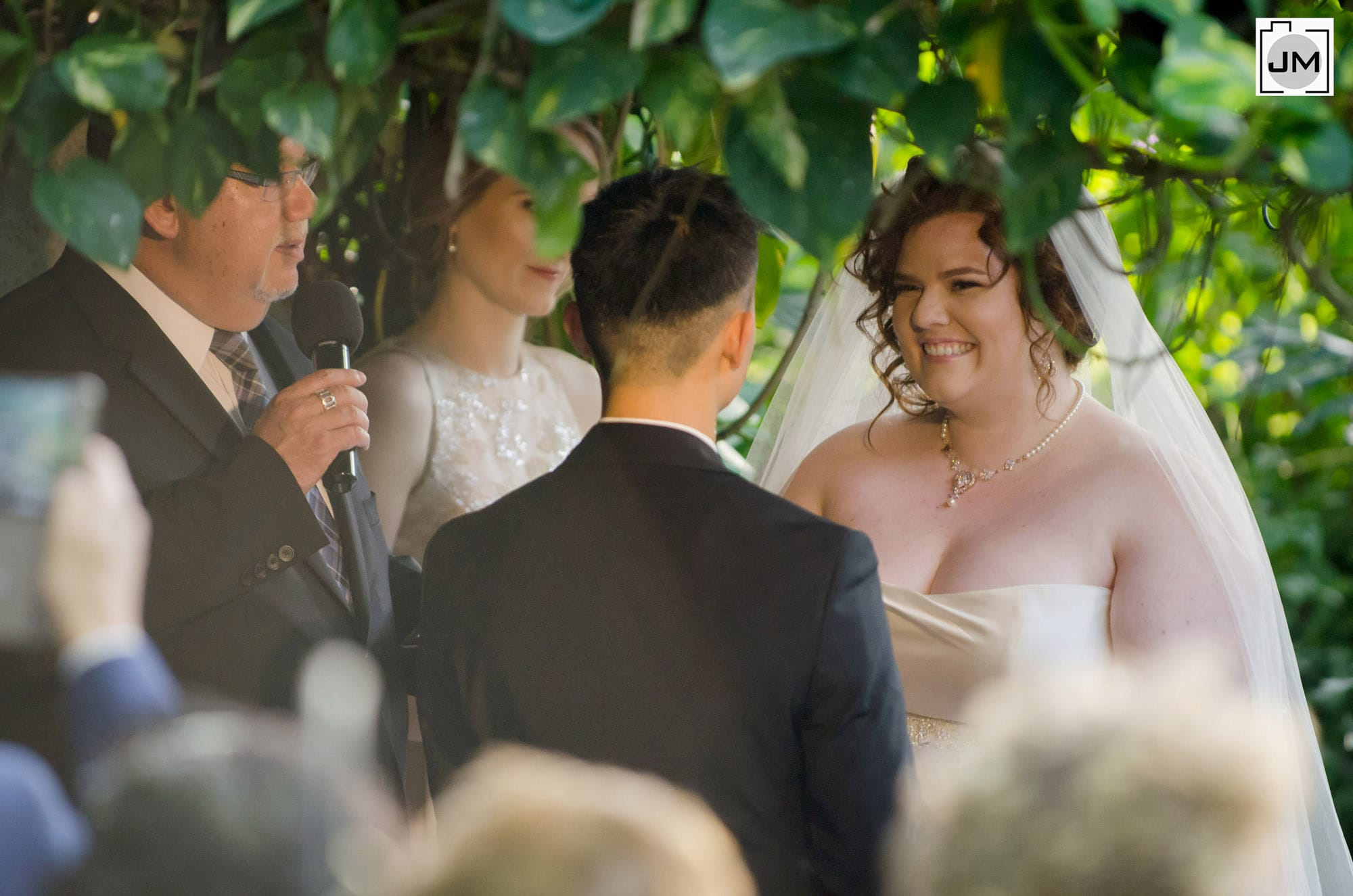 Cambridge_Butterfly_Conservatory_Wedding_014